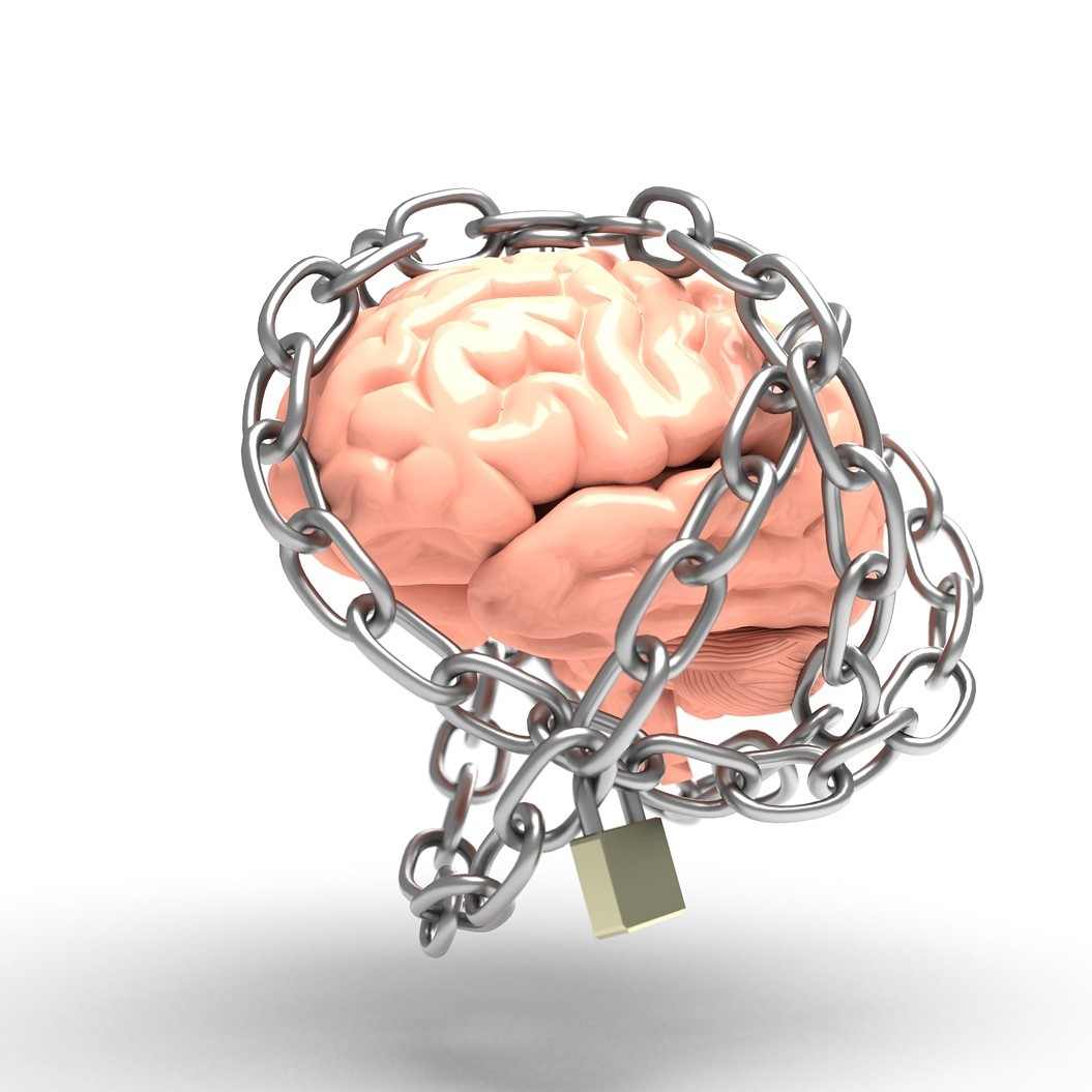 brain chained resized square-3446307_1920